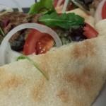 Kefta (Gehakt); gegrild met Salade in een mini-broodje Thachnift / Batbot / Matlo3 met Tijm