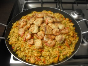 Paella met Tilapiafilet, Gambas en groenten 2