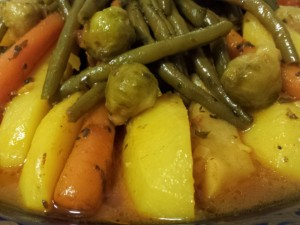 Marmita met lamsvlees, aardappelen, knolselderij, wortels, spruiten en sperziebonen 2