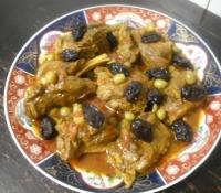 Vlees met pruimen en olijven
